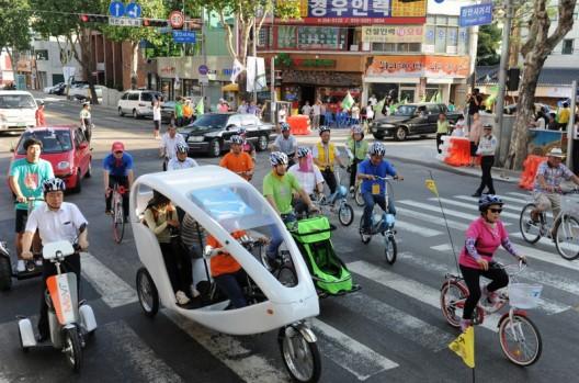 528e14e1e8e44ece5800019e_buenos-aires-entre-las-cuatro-ciudades-finalistas-del-premio-al-transporte-sustentable-2013_02-528x349