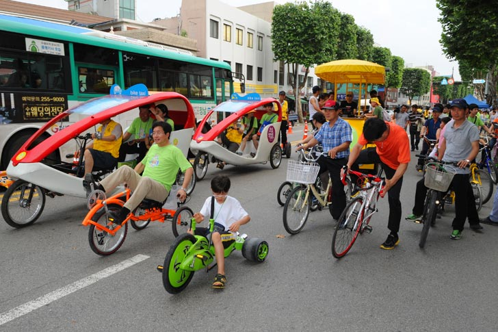 street-races-in-suwon-ecomobility-festival